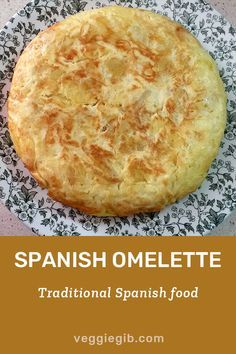 Traditional Spanish Omelette Recipe - Recipes to Make Spanish Cuisine, Spanish Dishes, Spanish Tapas, Spanish Meals, Spanish Recipes, Best Spanish Food, Spanish Paella Recipe, Spanish Tortilla Recipe, Spanish Christmas Food