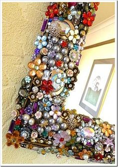 Jewelled Mirror No. But Shhhhh…… It's A Christmas Present! Jewelry Frames, Jewelry Mirror, Jewelry Art, Jewellery, Mirror Crafts, Diy Mirror, Mirror Ideas, Button Art, Button Crafts