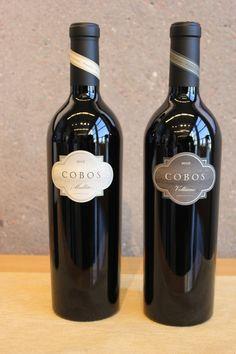 Cobos: elaborados solo en vendimias de calidad excepcional a partir de las vides más antiguas del viñedo Marchiori. Cobos Malbec y Volturno revelan concentración, elegancia y al mismo tiempo son intensamente profundos y de exquisito balance.