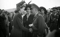 Francisco Franco y Carmen Polo reciben a Eva Perón
