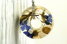 Collar con flores | circular de Villa Sorgenfrei - exclusiva joyería hecha a mano con flores y mucho más. por DaWanda.com