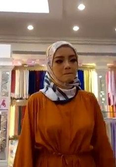 Arab Girls Hijab, Girl Hijab, Muslim Girls, Beautiful Muslim Women, Beautiful Hijab, Modern Hijab Fashion, Hijab Fashionista, Girl M, Hijab Chic