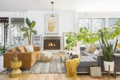 Photo 11 of 15 in My House: Fiber Artist Erin Barrett's Ranch-Style Fixer-Upper in South Carolina - Dwell Living Room Designs, Living Room Decor, Living Rooms, Laurence Amelie, South Carolina Homes, Colorful Playroom, Sunken Living Room, Elderly Home, Minimalist Decor