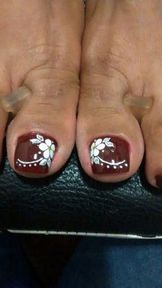 Pretty Toe Nails, Cute Toe Nails, Cute Nail Art, Gel Toe Nails, Feet Nails, Toenails, Toenail Art Designs, Flower Pedicure Designs, Nail Time
