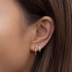 Pretty Ear Piercings, Ear Peircings, Ear Jewelry, Cute Jewelry, Jewelery, Bijoux Piercing Septum, Cartilage Earrings, Ear Piercing Studs, Pierced Earrings