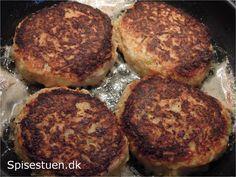 selleri-bøffer: 300 g. selleri – renset vægt 2 æg 50 g. revet ost 1 løg 1 tsk. salt friskkværnet peber 1 spsk. fiberHUSK