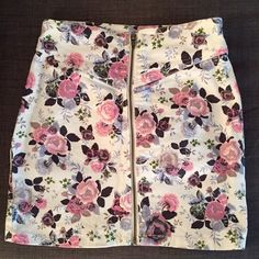 H&M Floral jean skirt Floral jean skirt. Size 10, but fits like a size 2/4. Zipper upfront. Tight fit. Perfect for summer. Cotton. Worn once. H&M Skirts Mini