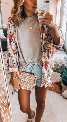 Awesome Summer Outfits To Copy Right Now weißes und braunes Blumenkleid Mode Outfits, Casual Outfits, Fashion Outfits, Fashion Tips, Floral Outfits, Fashion Beauty, Fashion Trends, Spring Summer Fashion, Spring Outfits