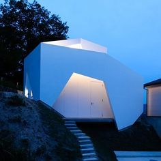 wear house, japan/auau