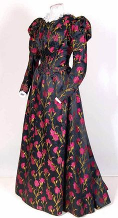 Dress, circa 1895-1900. Silk and cotton. Via Mode Museum, Antwerp
