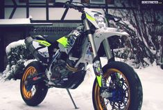 Husqvarna 501 FE Supermoto conversion – Otto Winter « Custom Bikes « DERESTRICTED