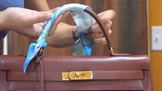 Hermes Kelly bag with Twilly wrap | How to add Twilly to Hermes Kelly  ✿Teresa Restegui http://www.pinterest.com/teretegui/✿