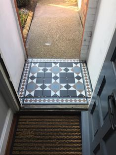 Transforming a tired garden path A narrow bed enclosed with concrete stone . Transforming a tired Victorian Front Garden, Victorian Hallway, Victorian Front Doors, Victorian Porch, Victorian Tiles, Edwardian House, Victorian Gardens, Hall Tiles, Tiled Hallway
