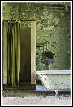 Abandoned bathroom by Ryan C. Nye