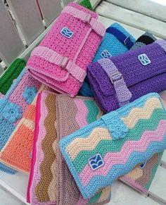 Crochet Wallet, Free Crochet Bag, Crochet Pouch, Crochet Baby Hats, Crochet Purses, Crochet Doilies, Crochet Bookmark Pattern, Crochet Bookmarks, Granny Square Crochet Pattern