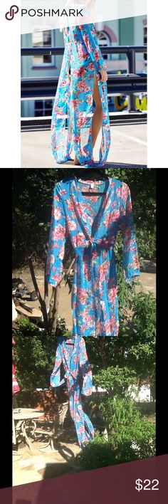 NWT🌞👙Soft and flirty showstopper cover-up👙🌞 NWT🌞🌞Stunning floral flirty cover-up🌞fabulous for your next cruise or trip to the beach🌞🌞 Swim Coverups
