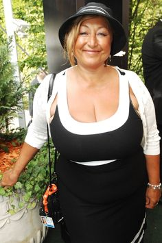 A collection of mature women with great big tits. Voluptuous Women, Sexy Body, Tank Tops, Big, Tees, Collection, Fashion, Moda, Halter Tops