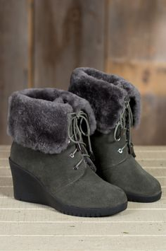 finest selection 7faef 01cad Mona Lace-up Sheepskin Wedge Boots  50822