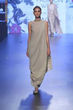"What a woman of Volantis would wear ""Tarun Tahiliani """
