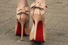 Glam Nude Heels - Secrets of stylish women Louboutin Shop, Louboutin Pumps, Christian Louboutin, Nude Pumps, Beige Heels