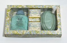 VINTAGE BRONNLEY FORGET ME NOT BATH CUBES, BODY LOTION & SOAP GIFT SET