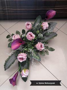 Kompozycja nagrobna r2018 wyk. Sylwia Wołoszynek Grave Flowers, Altar Flowers, Cemetery Flowers, Diy Flowers, Flower Vases, Wedding Flowers, Funeral Floral Arrangements, Beautiful Flower Arrangements, Beautiful Flowers