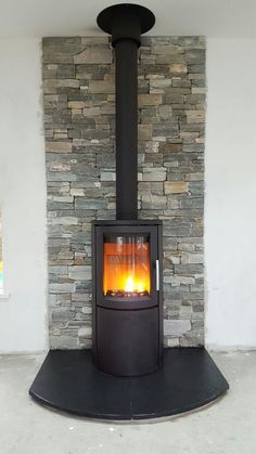 Most recent Photographs cottage Wood Stove Strategies Although real wood is one of eco-friendly warming technique, the item by no means is very much talked over wit. Wood Stove Wall, Wood Stove Surround, Wood Stove Hearth, Wood Burner Fireplace, Fireplace Hearth, Fireplace Design, Contemporary Wood Burning Stoves, Log Burner Living Room, Freestanding Fireplace