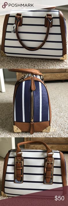 Aldo bag New never used. Received as a gift. Perfect condition. Aldo Bags