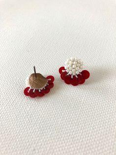 Diy Fabric Jewellery, Fabric Earrings, Textile Jewelry, Bead Jewellery, Diy Earrings, Bead Embroidery Jewelry, Beaded Jewelry Patterns, Beaded Embroidery, Bead Crafts