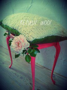Recush Wool: kussen met handgesponnen en gebreide covers