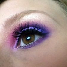 Purple make-up