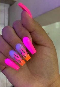 Nails stiletto These are flaming hot! The summer season is a perfect excuse to try brighter and bolder colors on your nails! Check out these incredible nail designs and recreate a few before the summers over ; Drip Nails, Glow Nails, Aycrlic Nails, Swag Nails, Cute Nails, Nails 2018, Grunge Nails, Toenails, Summer Acrylic Nails