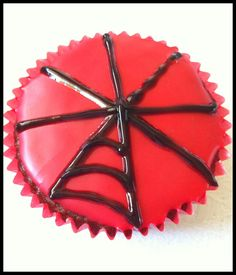 Spiderman Cupcakes Tutorial - One Perfect Day