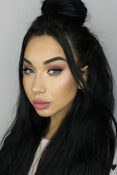 Charming Hairstyles with Nude Makeup picture 4