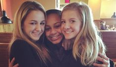 It was an unofficial 'Dance Moms' reunion when Chloe Lukasiak, Nia Frazier and Paige Hyland had a chance to see one another again.