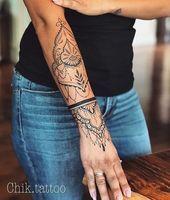 50 eye-catching lion tattoos that make you want to ink - the b . - 50 eye-catching lion tattoos that make you want ink – the best DIY tattoo ideas - Diy Tattoo, Tattoo Henna, Henna Tattoo Designs, Mandala Tattoo, Pretty Tattoos, Cute Tattoos, Body Art Tattoos, Hand Tattoos, Tatoos