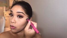 This is how I easily contour and highlight my face! This is how I easily contour and highlight my face! Makeup Tips Contouring, Face Contouring, Contouring And Highlighting, Eye Makeup, How To Blend Contouring, Best Contour Makeup, Contouring Tutorial, Contour Face, Contouring For Beginners