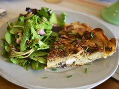 Truffle & Mushroom Quiche with Potato Crust + Simple Side Salad + Mini Berry Tartlets // Route Well by Crystal Vaughn Truffle Mushroom, Mushroom Quiche, Vegan Gluten Free, Gluten Free Recipes, Quiche With Potato Crust, Holistic Health Coach, Side Salad, Berry