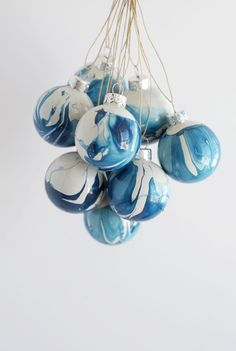 The idea of having a tree covered in homemade DIY Christmas Ornaments and treats made by yourself and your family is very appealing. See our 39 suggestions.