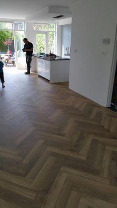 Somephoto Extraordinary Innovations For Wood Floor Colors, Wood Floor Pattern, Herringbone Wood Floor, Hall Flooring, Living Room Flooring, Loft Design, House Design, Planchers En Chevrons, White Oak Floors