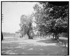 Boat houses on Schuylkill, from the drive, Fairmount Park between 1900 and 1915