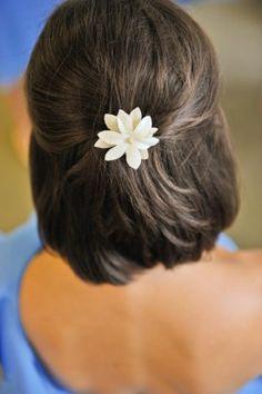 Summer-Virginia-Farm-Wedding-Bridesmaid-Hair-Style