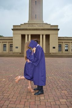Senior Portrait Pose Cap and Gown is the term used for the senior portrait poses for the senior portraits. Such poses that include a variety of differ. Couple Graduation Pictures, Couple Senior Pictures, Graduation Picture Poses, College Graduation Pictures, Graduation Photoshoot, Grad Pics, Senior Pics, Grad Pictures, Senior Year