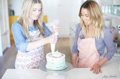 How to Make Frosted Mint Ombre Cake