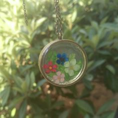 Real Flower Necklace, Real Dried Flowers, Resin Necklace, Shiny Necklace, Resin Jewelry, Pressed Flower, Nature Jewelry, Glass Necklace Resin Necklace, Glass Necklace, Flower Necklace, Resin Jewelry, Handmade Jewelry, Pendant Necklace, Unique Jewelry, Handmade Gifts, Real Flowers