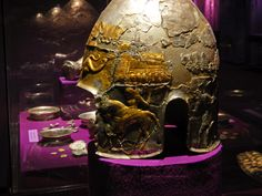 National History Museum Bucharest - Dacian silver helmet from Agighiol (Tulcea County) European Tribes, European Languages, Ancient Romans, Ancient Greek, History Museum, Art History, Semper Fidelis, Carpathian Mountains, National History