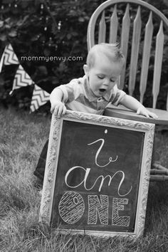 Cute ideas for a little boy first birthday photoshoot.