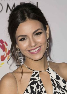 Victoria Justice at a 2015 Los Angeles LGBT Center event.