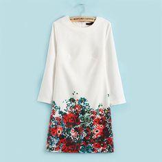 Kleid mit Blumen-Muster - Jetzt reduziert bei Lesara