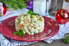 Traditional New Year's salad Russian and Ukrainian - Russian salad on the festive table Ensalada Rusa Recipe, Bread Baking, Finger Foods, Potato Salad, Traditional, Ethnic Recipes, Reflexology Massage, Fashion Top, Queso
